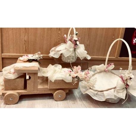 Camion porta alianzas cesta de petalos y cesta de arras